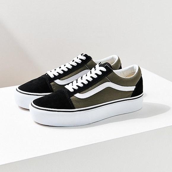 d7c569b2bb9 Olive Green Vans Old Skool Platform Shoes. M 5b837986153795c19c20a01c